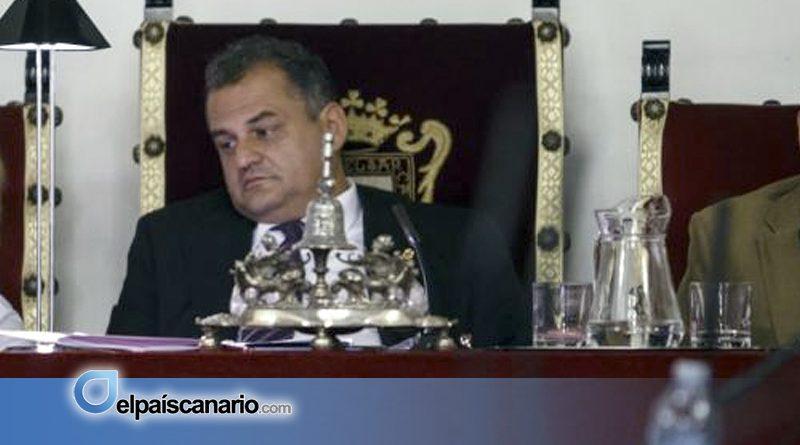 El desacato del alcalde ante el Pleno no se daba ni en tiempos del conquistador