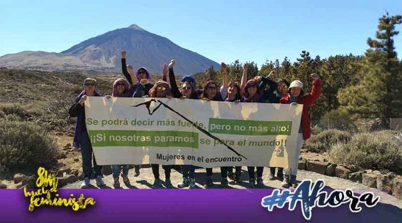 Mujeres en el Encuentro realiza acto simbólico en el Teide para llamar a la huelga feminista del 8 de marzo