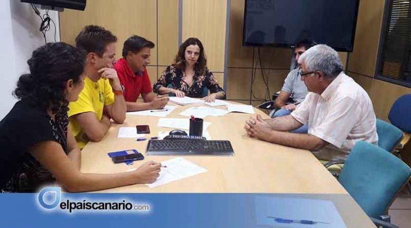 El Cabildo de Tenerife prohíbe la circulación de vehículos por pistas forestales y la caza, entre otras actividades, durante la 'alerta máxima' por riesgo de incendio