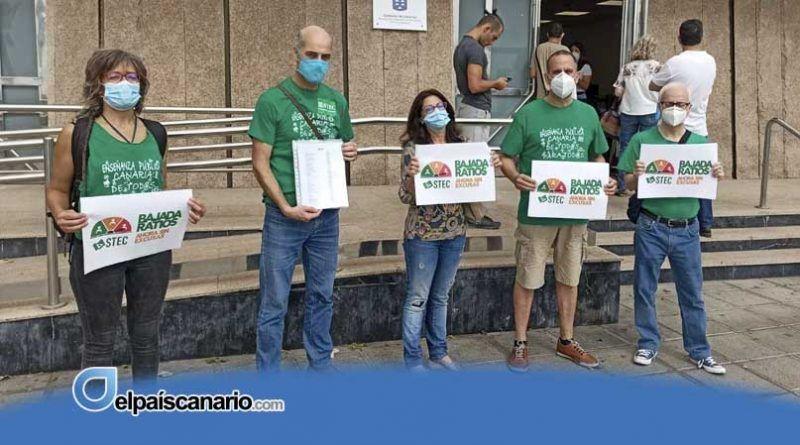 El STEC-IC entrega más de 4500 firmas por la bajada de las ratios