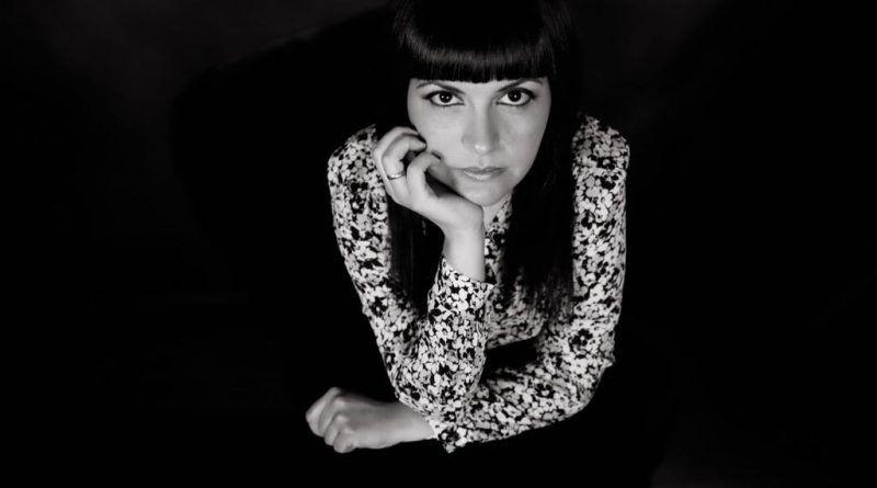 La escritora tinerfeña Ana Guacimara Hernández presenta su último libro de poemas 'La vida o nada'